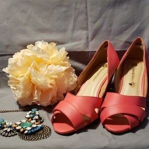 Chase&Chloe Coral Heels - Size 10